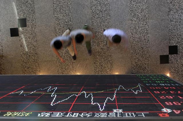 Kinh tế Hàn Quốc giảm mạnh nhất 12 năm, chứng khoán châu Á trái chiều