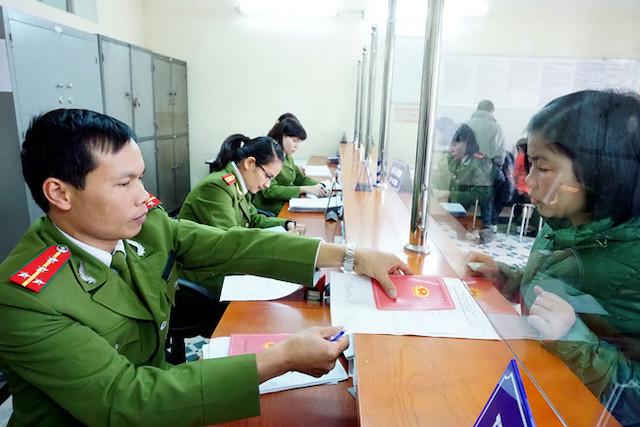 Đề xuất sửa Luật Cư trú để bỏ sổ hộ khẩu giấy từ tháng 7/2021