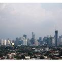 """<p class=""""Normal""""> <strong>Sau:</strong> Theo <em>Jakarta Post</em>, Sở Môi trường Jakarta đã báo cáo chất lượng không khí được cải thiện sau khi các biện pháp hạn chế xã hội được đưa ra vào cuối tháng 3. Trong hình:<span>Quang cảnh Jakarta vào ngày 16/4/2020. Ảnh: <em>Willy Kurniawan / Reuters</em></span></p>"""