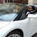 <p> Vị tỷ phú sở hữu hàng loạt siêu xe hào nhoáng, đắt tiền. Những mẫu xe tiêu biểu trong bộ sưu tập đó là Aston Martin DB9 và Mercedes McLaren SLR. Ảnh: <em>HotCars.</em></p>