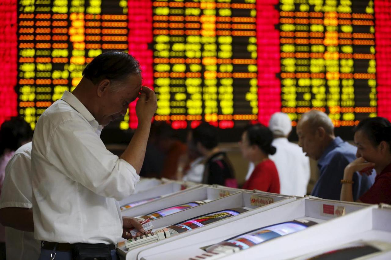 Cách công ty niêm yết Trung Quốc cầm cự qua mùa dịch: Hoãn trả cổ tức, tăng giữ tiền mặt