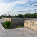 <p> Cùng với các giải pháp giữ nước, các kiến trúc sư đã dùng giải pháp tái chế nước đã qua sử dụng và nước tưới để làm cho các hồ chứa nước tưới cho các khu vườn xung quanh.</p>