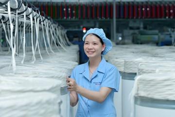 Vinatex: Xuất khẩu dệt may có thể giảm 20% do ảnh hưởng bởi Covid-19
