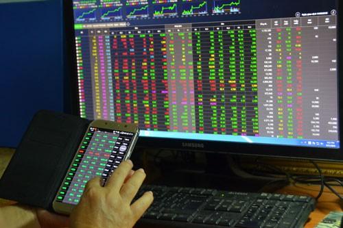 Tự doanh CTCK bán ròng hơn 1.900 tỷ đồng trong tháng 4, tâm điểm MSN