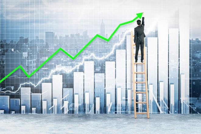 Bất chấp tin lỗ, cổ phiếu Vietnam Airlines tăng mạnh nhất trong top 50 vốn hóa tháng 4