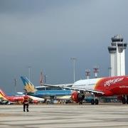 Đề xuất giảm nhiều loại phí cho các hãng hàng không
