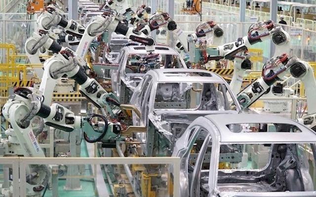 Bộ Tài chính phản đối giảm thuế động cơ, hộp số ôtô về 0%