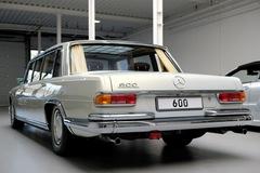Phiên bản xe Mercedes-Benz Pullman 1975 siêu 'hiếm' có giá 2,3 triệu USD