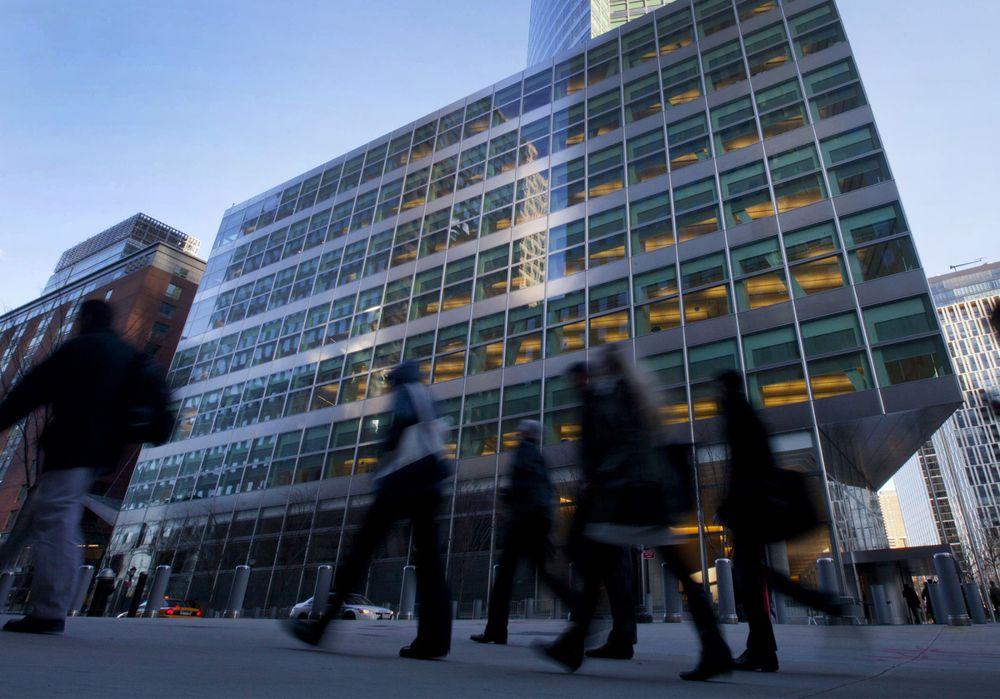 Goldman Sachs, Morgan Stanley: Kinh tế toàn cầu đã chạm đáy và đang trên đà hồi phục