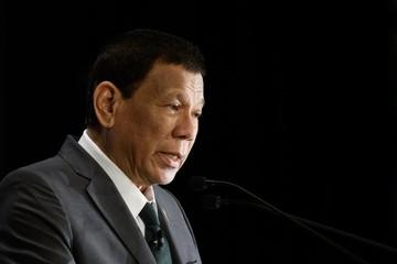 Được tổng thống xin lỗi vì 'nói lời tổn thương', cổ phiếu hai công ty Philippines tăng vọt