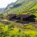 """<p> <span style=""""color:rgb(0,0,0);"""">Điểm trường Bó Mon ở xã Tú Nang, huyện Yên Châu, tỉnh Sơn La là một công trình xã hội được xây dựng với nguồn kinh phí hạn hẹp. Mặc thế, ngôi trường với kiến trúc đặc biệt đã khiến nhiều tạp chí kiến trúc quốc tế như Archdaily, Designboom ca ngợi.</span></p>"""