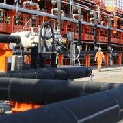 Giá dầu tiếp tục đi lên nhờ tín hiệu nới lỏng phong tỏa