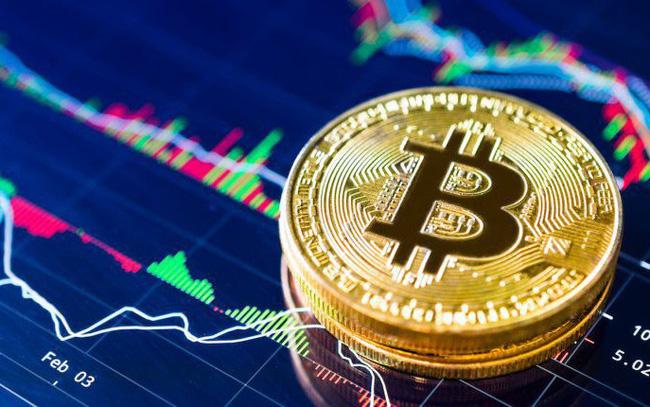 Giá Bitcoin vượt 10.000 USD