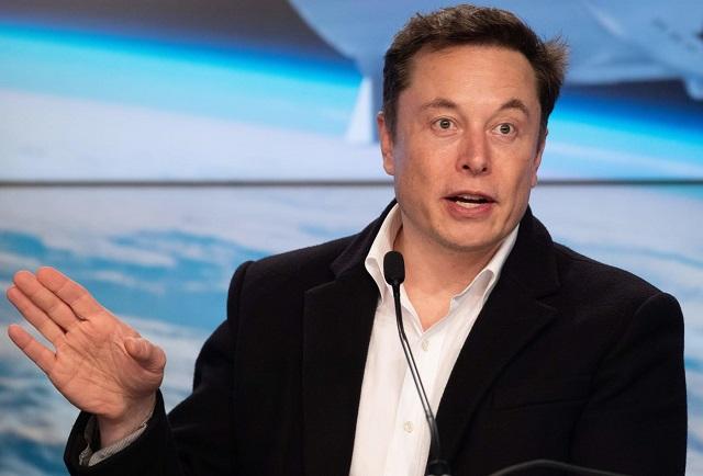 Tỷ phú Elon Musk: 'Có quá nhiều người thông minh làm việc trong ngành luật và tài chính'