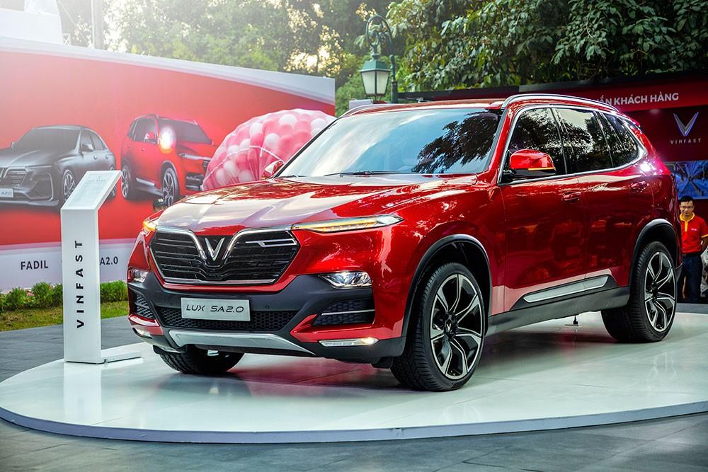 Những mẫu ôtô đang giảm giá mạnh tại Việt Nam - Ảnh 1.