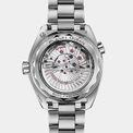 """<p class=""""Normal""""> Nhà sản xuất đồng hồ xa xỉ Thụy Sĩ Omega đã cập nhật cho mẫu Seamaster Planet Ocean 600M phiên bản 2020, tăng cường sức mạnh của đồng hồ lặn với khả năng chống nước đáng kinh ngạc 600m.</p> <p class=""""Normal""""> Hiện Omega Seamaster Planet Ocean 600M đã có sẵn trên trang web của công ty với mức giá 6.550 USD (khoảng hơn 150 triệu đồng).</p>"""