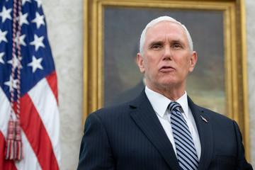 Mỹ bác tin phó tổng thống Mike Pence tự cách ly vì Covid-19