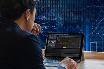 Khối ngoại bán ròng trở lại gần 480 tỷ đồng, thoả thuận PC1 và SVC