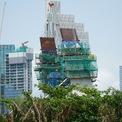 <p> Cầu được thiết kế kiểu dây văng với trụ tháp chính có hình dáng kiến trúc cầu Rồng cao 113 m, nghiêng về phía Thủ Thiêm. Phần trụ tháp chính hiện tại đã được đổ cột cao.</p>