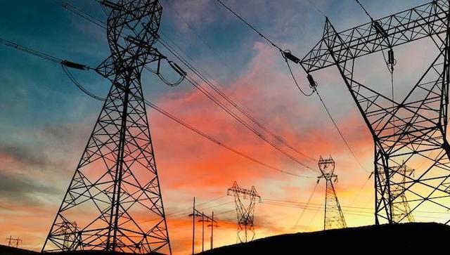 Nhà đầu tư muốn biết ưu đãi và rủi ro khi đầu tư truyền tải điện
