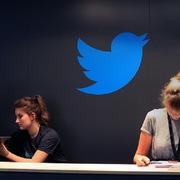 Twitter cho phép nhân viên làm việc tại nhà 'mãi mãi'