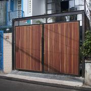 Vừa để ở, vừa làm studio, ngôi nhà nổi bật giữa khu dân cư đông đúc ở TP HCM