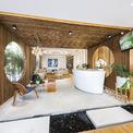 <p> Giải pháp là tối đa hóa khu vực kinh doanh và phơi bày 2 mặt của tòa nhà với thiên nhiên. Sự đổi mới nằm trong việc tạo ra các lớp kiến trúc tự nhiên.</p>