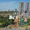 <p> Khu phức hợp có tổng diện tích 14,5 ha, vốn đầu tư trên 1,2 tỷ USD, được quy hoạch gồm 3.000 căn hộ cao cấp, văn phòng, khách sạn 5 sao, khu bán lẻ. Điểm nhấn của dự án là tòa tháp phức hợp 88 tầng cao 333 m, vẫn thấp hơn Landmark 81 tầng cao 461 m.</p>