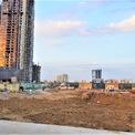 <p> Theo thông tin từ nhiều trang môi giới, các căn hộ cao cấp trong dự án có mức giá khá cao, cả trăm triệu đồng/m2. Empire City là một trong 3 dự án căn hộ cao cấp đang được xây dựng ở khu vực Thủ Thiêm, bên cạnh Metropole Thủ Thiêm và The River Thủ Thiêm.</p>