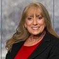 """<p class=""""Normal""""> Nhưng John H. Tyson, không phải là thành viên nhà Tyson duy nhất đang làm việc trong công ty.<span>Cô của John H. Tyson - bà Barbara Tyson, là thành viên hội đồng quản trị của công ty.</span><span>Theo </span><em>Forbes</em><span>, bà Barbara, được thừa kế khối tài sản có giá trị ước tính vào khoảng 390 triệu USD, sau khi chồng của bà, Randal, qua đời trong một vụ tai nạn vào năm 1986, khi ông mới 34 tuổi. Ảnh:</span><em>Tyson Foods</em></p>"""