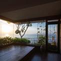 <p> Các kiến trúc sư hướng đến các giải pháp thông gió tự nhiên thuận tiện, mang lại ánh sáng mặt trời và không khí trong lành cho mọi ngóc ngách trong nhà.</p>