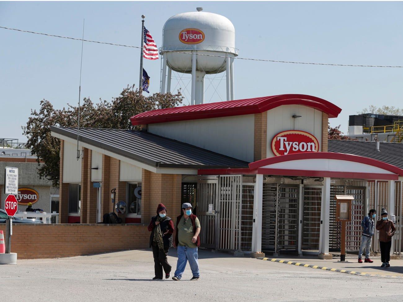 Gia tộc tỷ phú đứng sau Tyson Foods - một trong ba đế chế sản xuất thịt lớn nhất thế giới