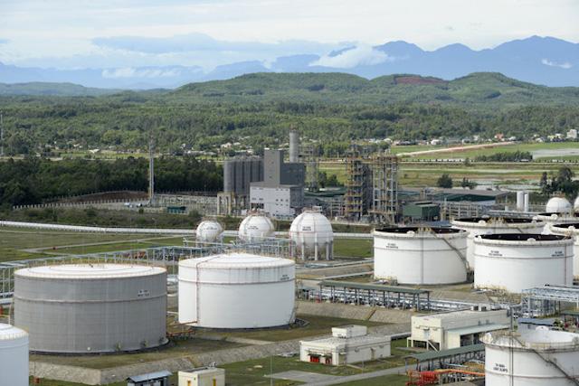 Bộ Công Thương không đồng ý dừng nhập khẩu xăng dầu