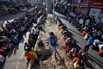 Thế giới tuần qua: Cuộc hồi hương của hàng triệu lao động Ấn Độ
