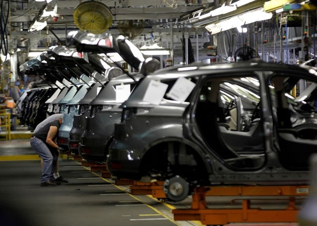Mỹ cân nhắc ưu đãi để khuyến khích doanh nghiệp chuyển sản xuất khỏi Trung Quốc. Ảnh: Reuters,