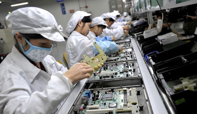Việt Nam có đủ nguồn nhân lực chất lượng cao đáp ứng dòng chuyển dịch đầu tư của những ông lớn hàng đầu như Apple, Google, Microsoft...