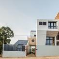 <p> Nhà Michelia ở Phú Quốc do P.I Architects thiết kế với 5 khối riêng biệt được lấy cảm hứng từ hình ảnh đồi núi ở Thụy Sĩ.</p>