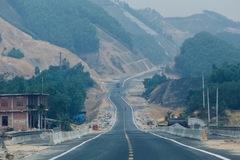Cận cảnh cao tốc 12.000 tỷ đồng sắp thông xe