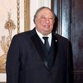 """<p class=""""Normal""""> <strong>John Catsimatidis - CEO Gristedes Foods</strong><br /><br /><span>Tài sản: 3,3 tỷ USD</span><br /><br /><span>Quyên góp: 115.000 USD</span><br /><br /><span>John Catsimatidis làm giàu từ một chuỗi cửa hàng tạp hóa ở New York, sau đó mở rộng sang ngành lọc dầu và trạm xăng. Ông ủng hộ nhiệt tình ý tưởng xây tường biên giới với Mexico của Tổng thống. Ảnh: </span><em>New York Post.</em></p>"""