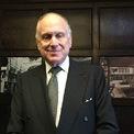 """<p class=""""Normal""""> <strong>Ronald Lauder – CEO Clinique Laboratories</strong><br /><br /><span>Tài sản: 4,3 tỷ USD</span><br /><br /><span>Nguồn: Hãng mỹ phẩm Estée Lauder</span><br /><br /><span>Quyên góp: 200.000 USD</span><br /><br /><span>Ông Lauder là con trai út trong gia đình là và người thừa kế thương hiệu mỹ phẩm Estée Lauder từ cha. Ông làm chủ tịch Clinique Laboratories, đồng thời là phó trợ lý bộ trưởng quốc phòng về các vấn đề của NATO. Ông từng là đại sứ Mỹ tại Áo, cũng như cố vấn không chính thức của Trump về quan hệ Israel. Ảnh: </span><em>Times of Israel.</em></p>"""