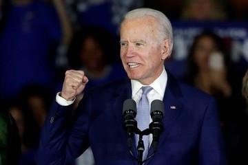 Joe Biden dẫn trước Tổng thống Trump tại 3 bang chiến địa