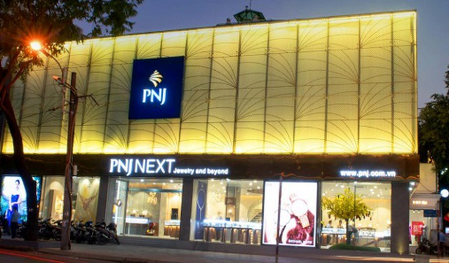 Tạm đóng cửa hàng vì cách ly xã hội, PNJ lỗ 89 tỷ đồng trong tháng 4