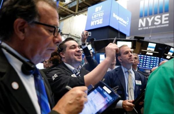 Phố Wall tăng điểm, S&P 500, Nasdaq lên cao nhất nhiều tháng