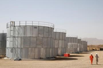 Tồn kho tại Mỹ tiếp tục giảm, giá dầu đi lên
