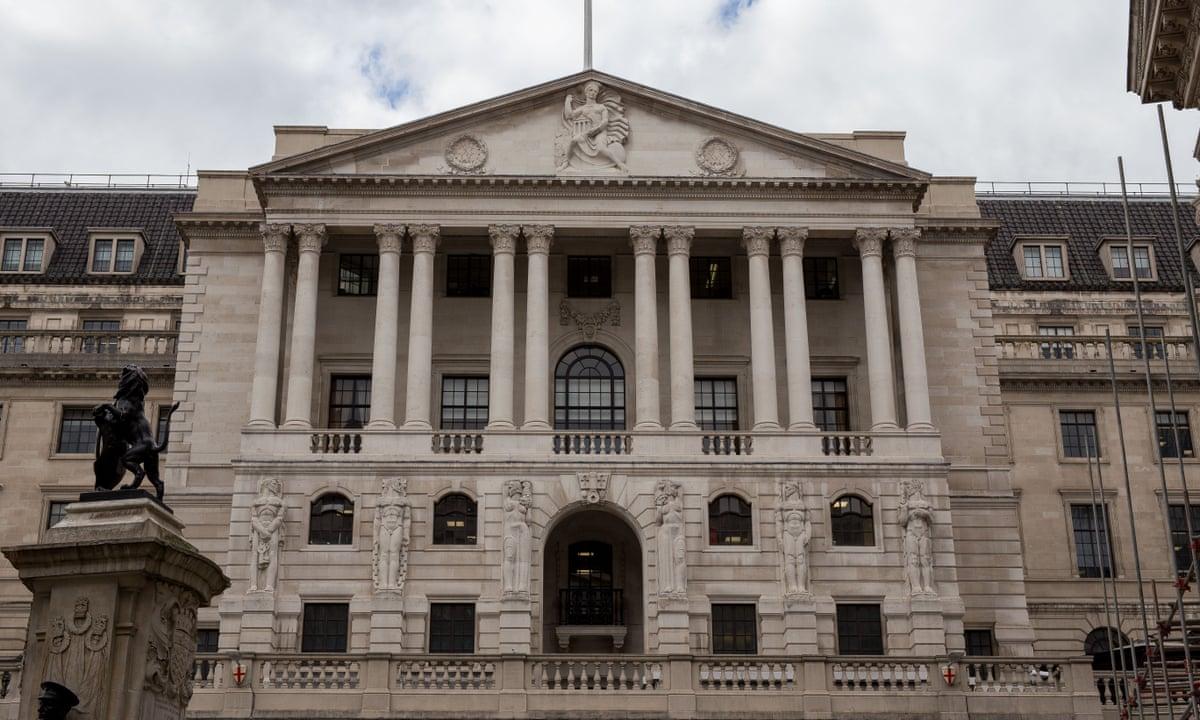 Anh lần đầu tiên phát hành trái phiếu chính phủ lãi suất âm