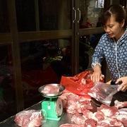 Giá lợn hơi chạm đỉnh 100.000 đồng/kg