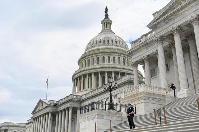 Thượng viện Mỹ thông qua dự luật có thể cấm công ty Trung Quốc niêm yết tại Mỹ