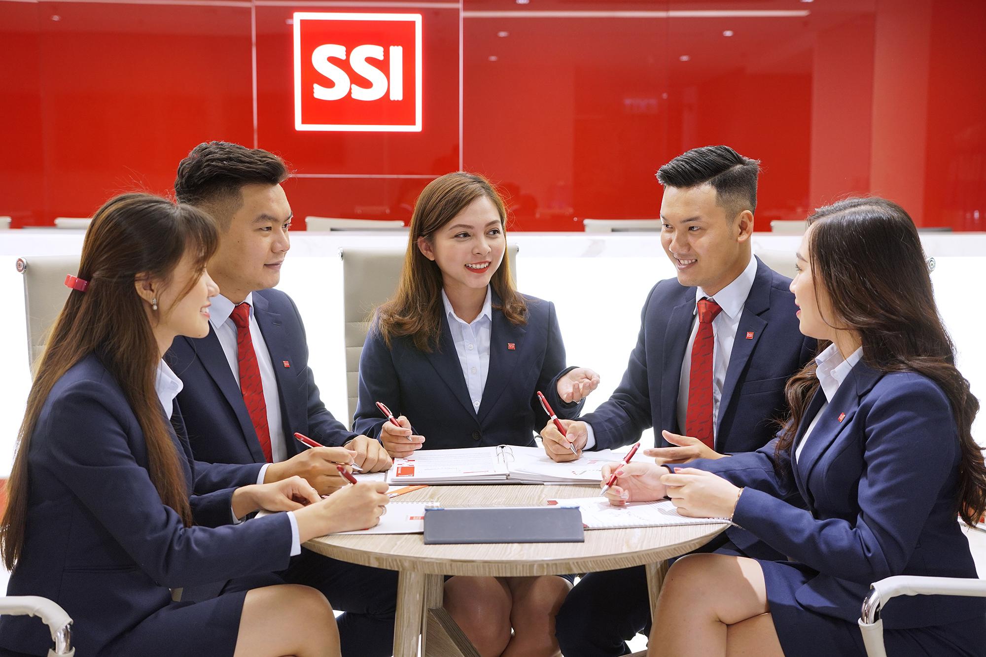 Công bố Top 500 doanh nghiệp tăng trưởng nhanh nhất Việt Nam 2020