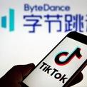 """<p class=""""Normal""""> <strong>ByteDance, Trung Quốc</strong></p> <p class=""""Normal""""> Định giá: 75 tỷ USD</p> <p class=""""Normal""""> Thành lập năm 2012, đến nay Bytedance (sở hữu ứng dụng TikTok) là một trong những công ty Internet hàng đầu tại Trung Quốc. Tháng 10/2018, Bytedance tuyên bố hoàn tất vòng gọi vốn trị giá 3 tỷ USD từ SoftBank và một số nhà đầu tư khác, giúp công ty được định giá ở mức 75 tỷ USD. Từ thời điểm đó đến nay, Bytedance là startup giá trị nhất thế giới. (Ảnh: <em>Getty Images</em>)</p>"""