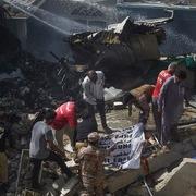 Ít nhất 41 người thiệt mạng trong tai nạn máy bay ở Pakistan